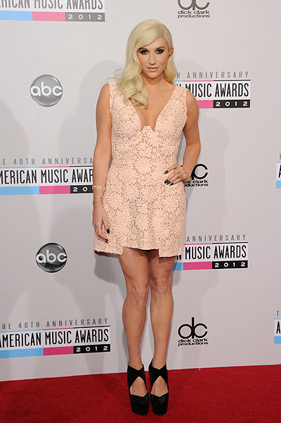 Кейша на American Music Awards 2012