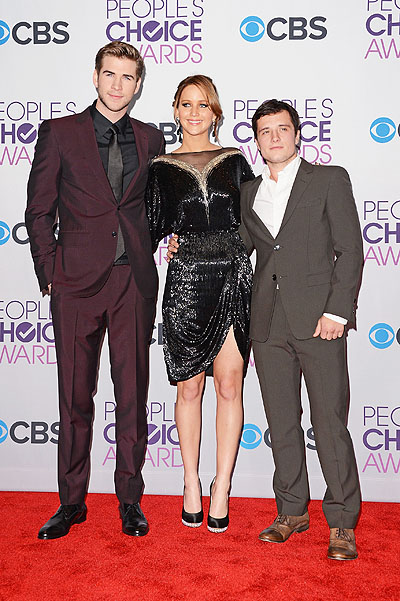 Лиам Хемсворт, Дженнифер Лоуренс и Джош Хатчерсон People's Choice Awards 2013