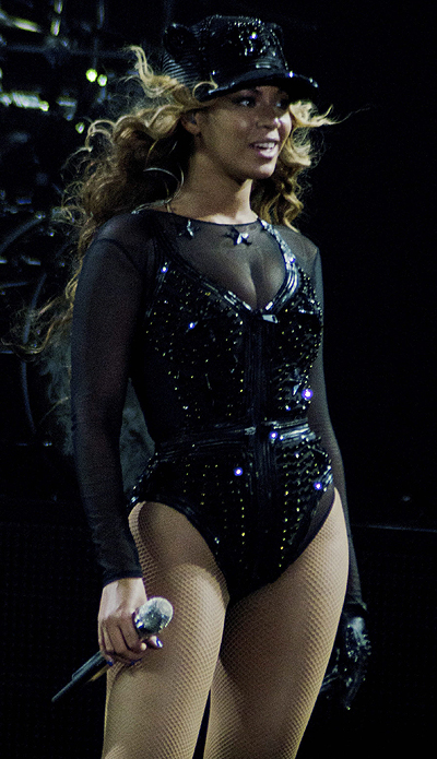 Бейонсе на первой концерте Mrs. Carter World Tour