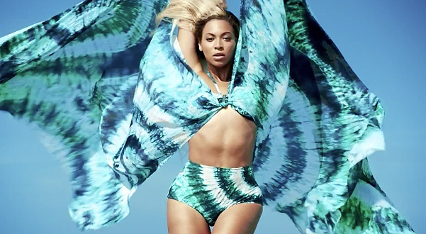 Кадр из рекламной кампании Beyonce as Mrs. Carter in H&M