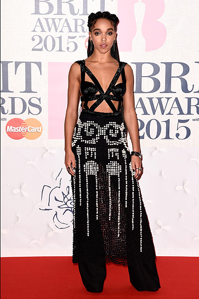FKA Twigs на BRIT Awards-2015