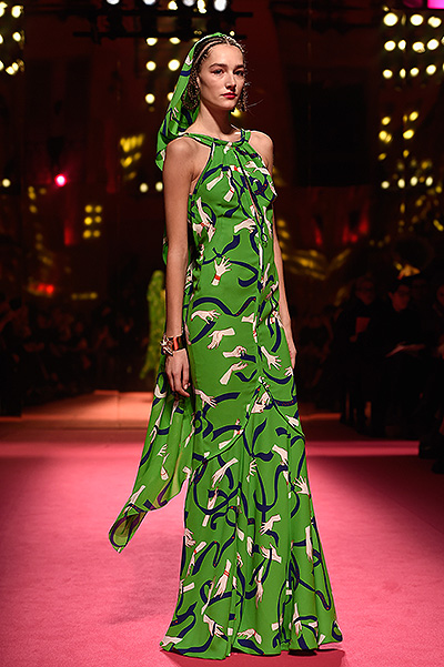 Schiaparelli : Runway - Paris Fashion Week - Haute Couture