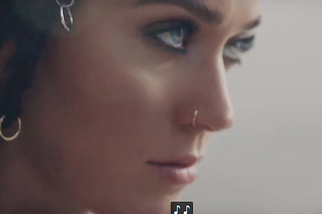 Katy perry wants to ask obama about existence of alien life