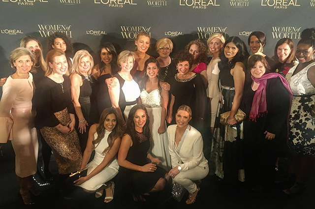 Блейк Лайвли с лауреатами L'Oreal Paris Women Of Worth Gala