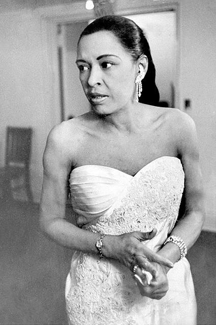 billie holiday biography Billie holiday (born eleanora fagan april 7, 1915 – july 17, 1959) was an american jazz singer, songwriter, and actress nicknamed lady day by her friend and musical partner lester young, holiday had a seminal influence on jazz and pop singing.