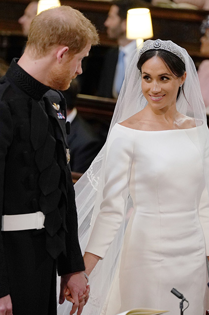 """Prince Harry and Megan Marl """"width ="""" 425 """"height ="""" 640"""