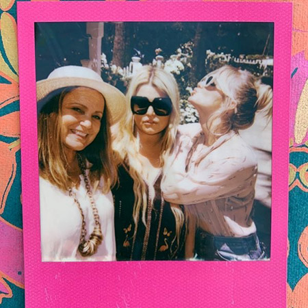 Jessica Simpson with mom Tina and sister Ashley