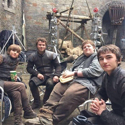"Isaac Hempstead-Wright with the actors of the series ""Game of Thrones"""