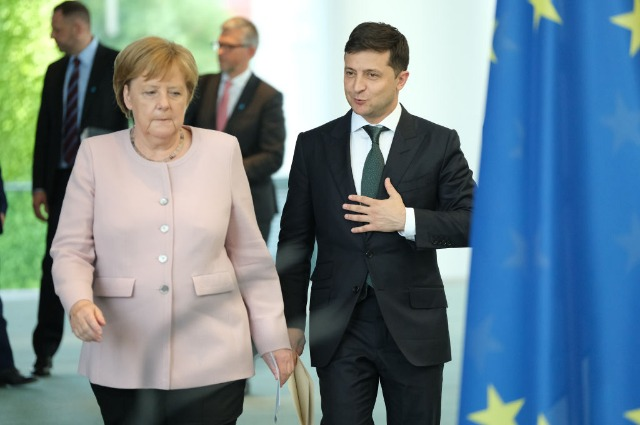 Angela Merkel and Vladimir Zelensky