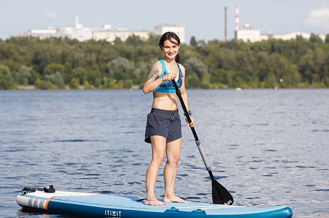 TRENIROVKA: what is SUP yoga and why is it becoming more popular