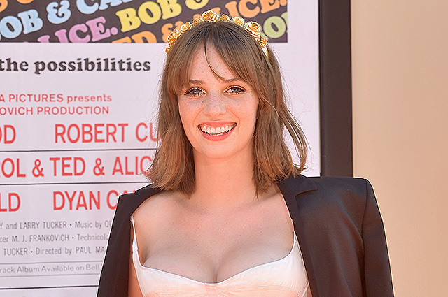 Uma Thurman's daughter Maya Hawke became the star of the premiere of Quentin Tarantino's film