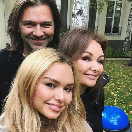 Dmitry Malikova with wife and daughter