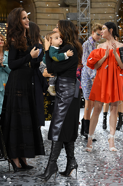 Andy MacDowell and Eva Longoria with their son Santiago