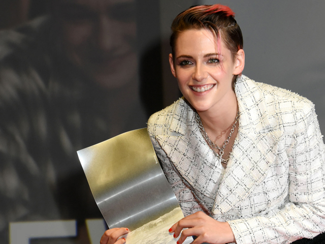 Kristen Stewart was awarded an honorary award for his contribution to the cinema