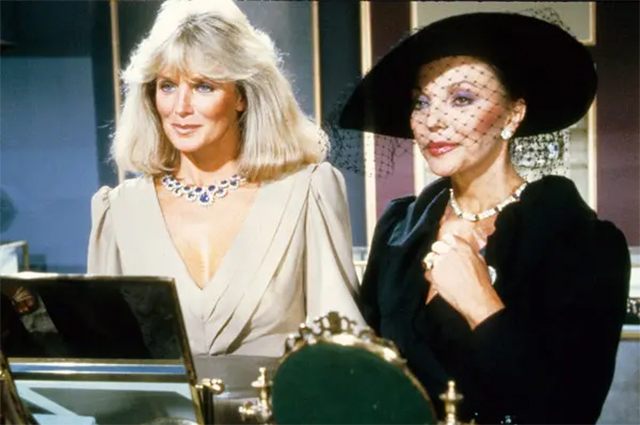 Linda Evans and Joan Collins in the series