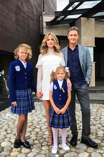 Natalia Ionova and Alexander Chistyakov with their daughters Lydia and Vera