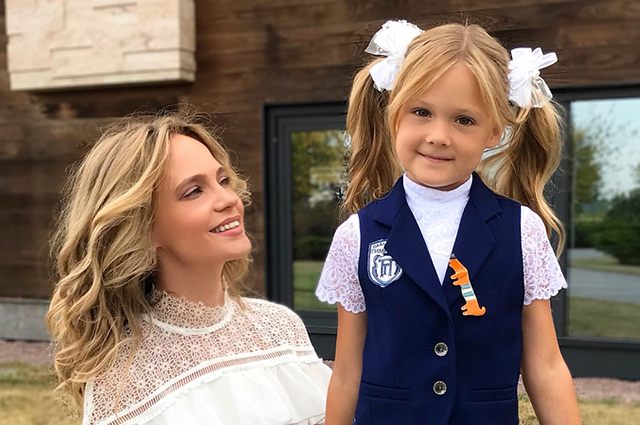 Natalia Ionova and Alexander Chistyakov have a costume party for the eight-year anniversary of Vera's daughter