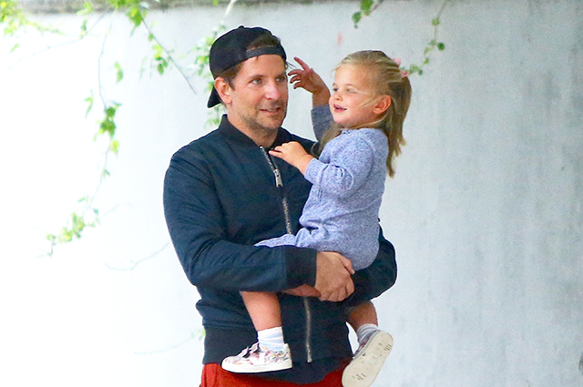 Bradley Cooper walked with his daughter Leah in New York