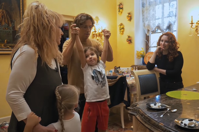 Alla Pugacheva and Maxim Galkin with children, Irina Shikhman