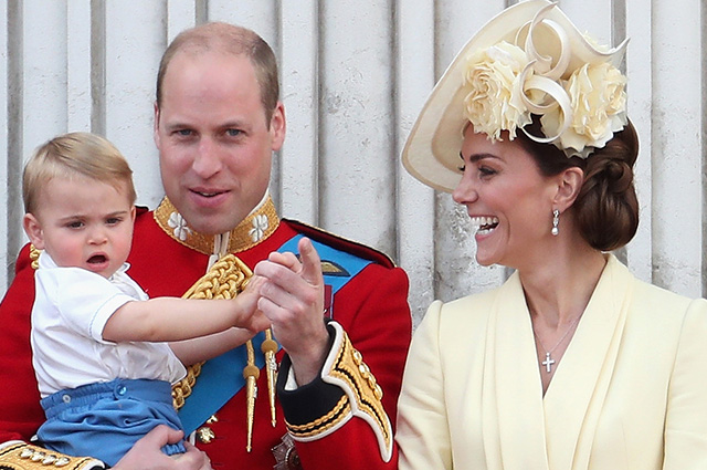 Prince William told what books he reads to his children at night
