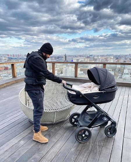 Timati with his son