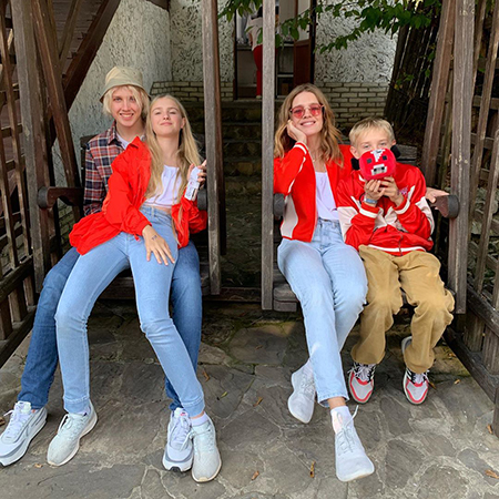 Natalia Vodianova with sons Lucas and Victor and daughter Neva