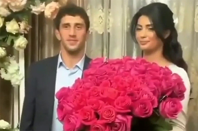 The network is discussing how the wrestler Zaurbek Sidakov kicked his bride out of the wedding: chronology and all the details of the scandal