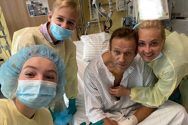 Alexey Navalny first got in touch with fans after his poisoning