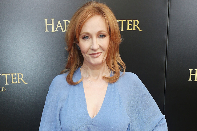 New scandal around J.K. Rowling: netizens again persecuted the writer for transphobia