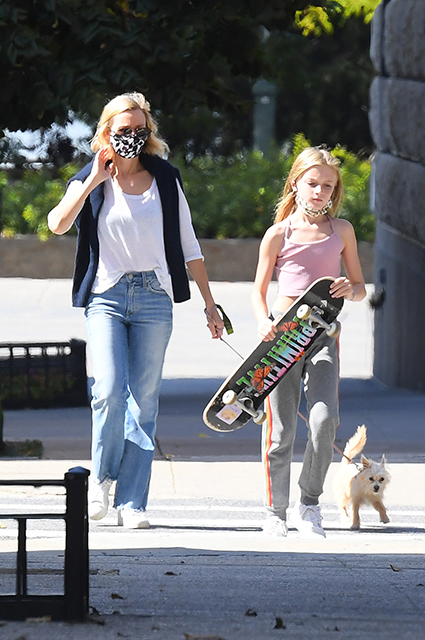 Naomi Watts with her son