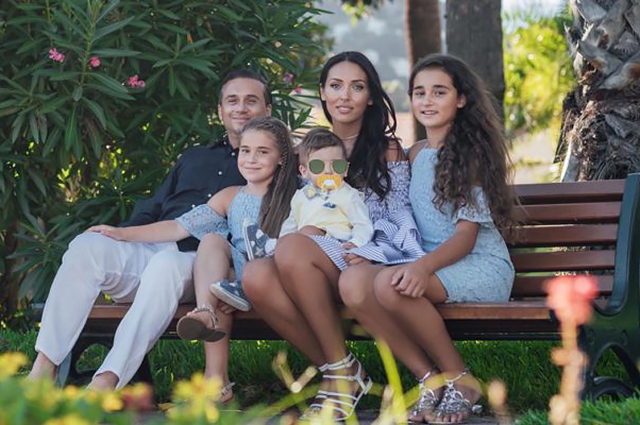 Alsou and Yan Abramov with children
