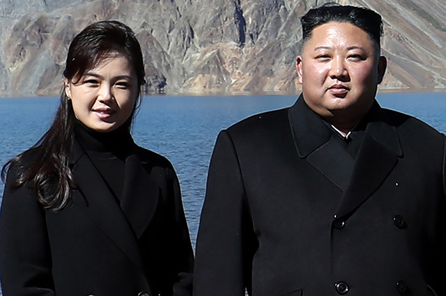 Kim Jong-un's wife appeared in public for the first time in a year