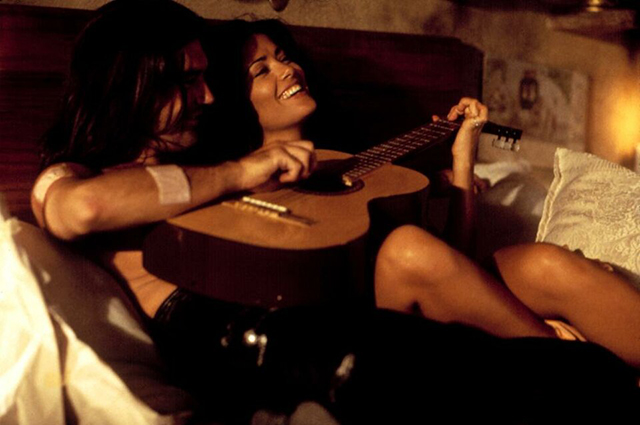 Antonio Banderas and Salma Hayek in the movie Desperate