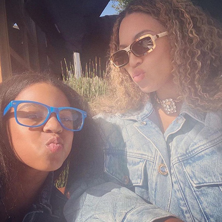 Beyonce with her daughter Blue Ivy