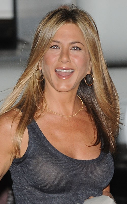 Jennifer Aniston обзор стиля за год.