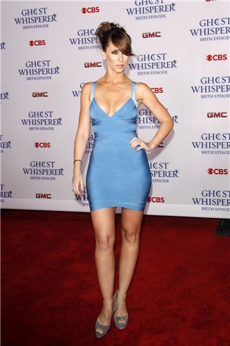 Jennifer Love Hewitt at Ghost Whisper 100th Episode Celebration
