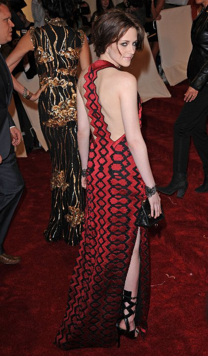 Kristen at the Met Gala (May 2, 2011)
