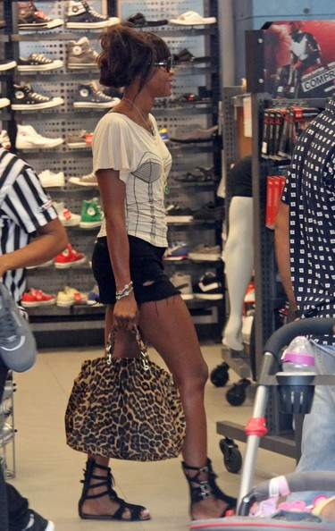 Naomi Campbell  shopping on Lincoln Road