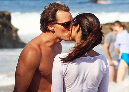 Matthew McConaughey and Camila Alves: Счастливы вместе!