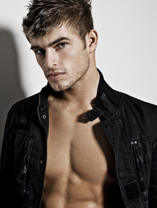 Hot Male Model : Tyler Bachtel