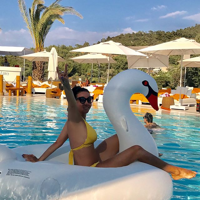 I did it     @nikkibeachhotelbodrum @nikkibeachbodrum #tellonlyyourbestfriends #celebrationoflife #bodrum #swanlake #ктознаеттотпоймет