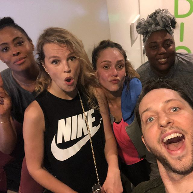3rd workout of the day for me -man it was hard, but oh so good- thanks @nichelle for the motivation and for my friends #teamworkmakesthedreamwork @kellysawyer @derekblasberg @casdelta      love you guys!