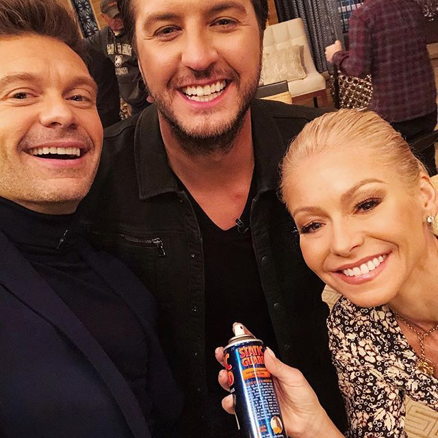Not an #ad for anti-static spray - @lukebryan thought a random fan was spraying air freshener on Ripa s dress and we had some explaining to do