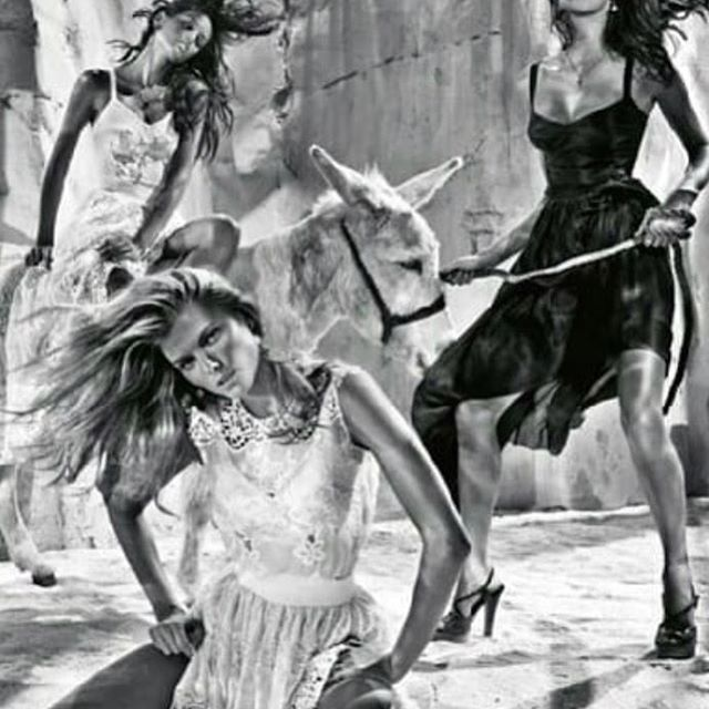How did I never saw this picture before from @dolcegabbana ad
