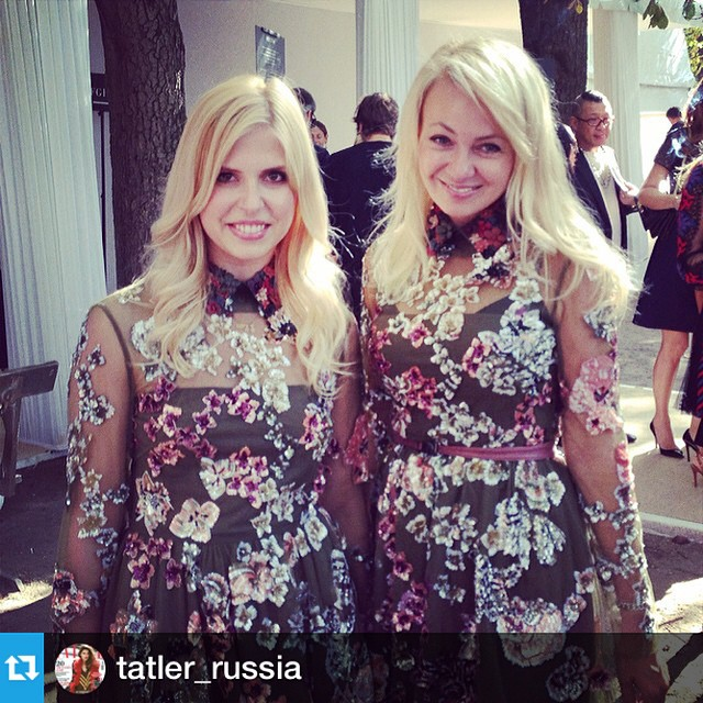 Спасибо за фото ) ️ #Repost from @tatler_russia --- Valentino inadvertent twins Маша Богданович и Яна Рудковская @rudkovskayaofficial