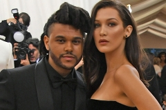 The Weeknd устроил Белле Хадид необычное свидание в ресторане роботов в Токио