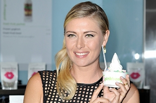 Мария Шарапова на презентации Sugarpova Pinkberry в Лондоне